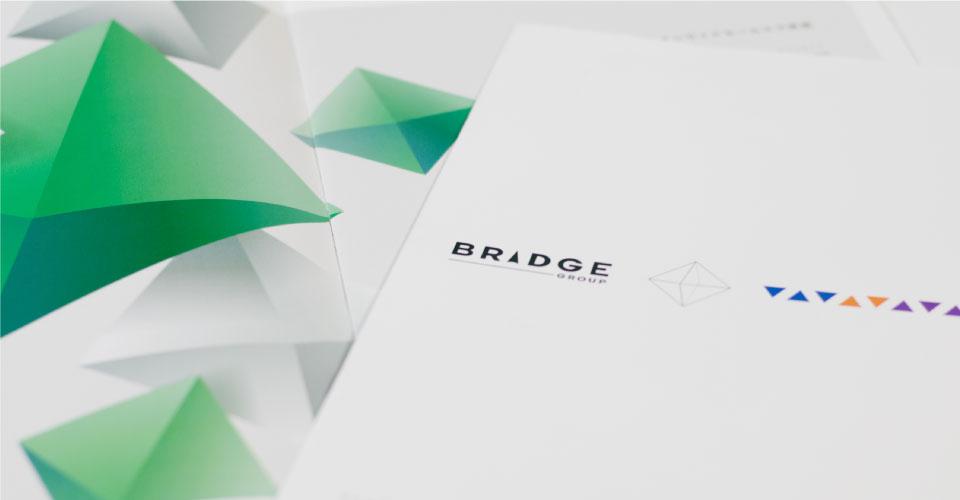ブリッジインターナショナル株式会社 様 会社案内パンフレット